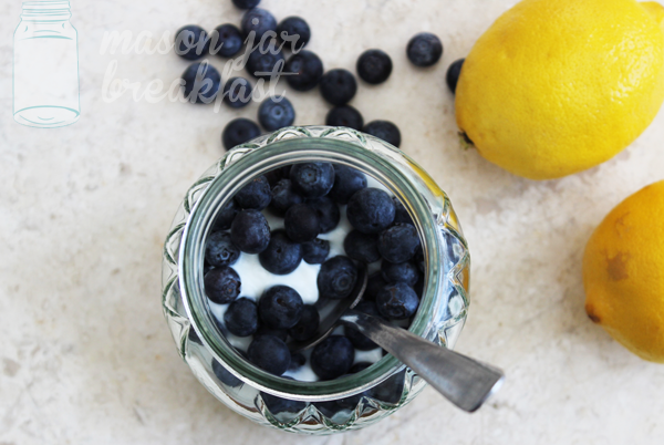 blueberry lemon yogurt Mason jar recipe