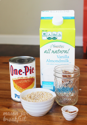 Creamy Pumpkin Spice Overnight Oatmeal Ingredients